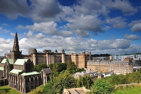 Fietsend door Glasgow